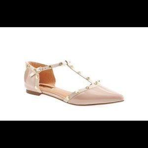 Halogen 'Olson' Pointy Toe Studded T-Strap Flat